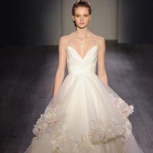 Hayley Paige Bridal Gown, floor sample, 6601